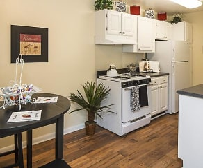 Kitchen and Dining, Grand Arbor Reserve Apartment Homes