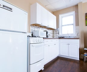 Kitchen, Carriage House Square