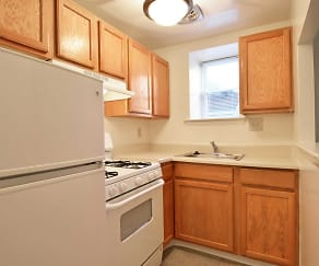 Kitchen, Cedar Glen Apartments