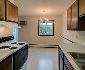 Kitchen, Lamplighter Village Apartments