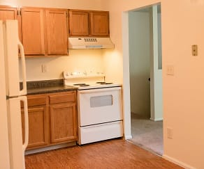 Kitchen, Harriman Woods Apartments