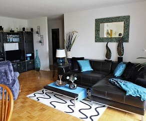 Living Room, Main Line-Berwyn