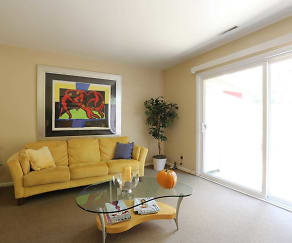 Living Room, Townhomes Of Ashbrook