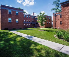 Courtyard, Livingston Park Apartments