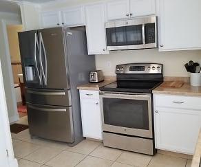 Kitchen, 2100 Doud Street #21