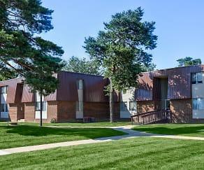 Building, Pines Lapeer West