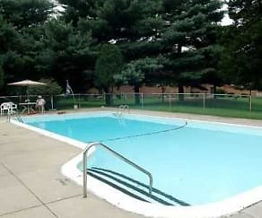 Pool, Towne Point