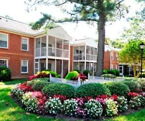 Exterior, Rose Hall Apartments