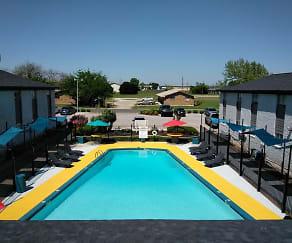 Pool, Western Oaks