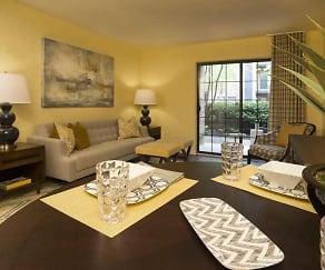 Living Room, Maincentre