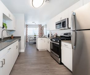 Kitchen, The Townhomes at Horizon Ridge