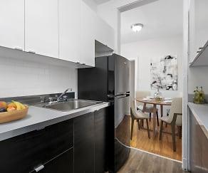 Kitchen, 632-644 W. Addison
