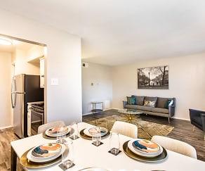 Dining Room, Ventana at Valwood
