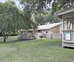 Grand Oaks Apartment Homes, Lithia, FL
