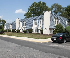 Building, Pine Ridge Apartments