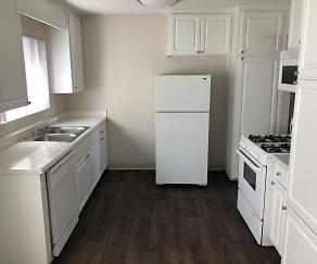 Kitchen, Park Grossmont
