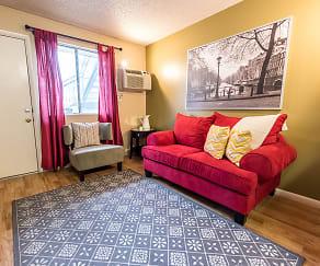 Bedroom, The Redwood