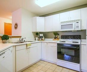 Kitchen, Highland Ridge of Seminole