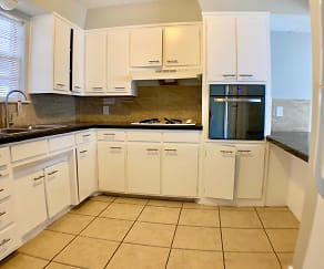 Kitchen, Cielo Vista Townhomes