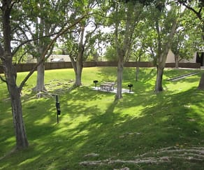 Beautifully Landscaped, Cibola Village