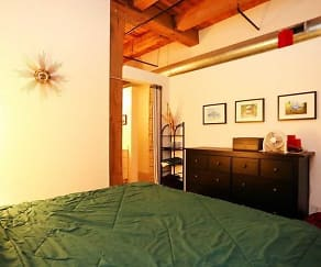 Bedroom, Lake Street Lofts