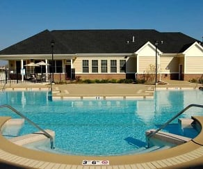 Pool, Coventry Glen at Valley Lakes