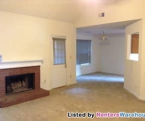 Living Room, 2760 Old Barn Trl