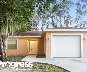 2661 20th St, Fruitville, FL