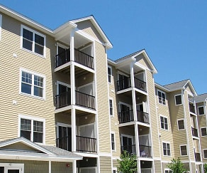 Building, The Residences at Colcord Pond