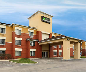 Building, Furnished Studio - Cleveland - Airport - North Olmsted