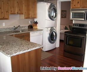 Kitchen, 6180 Strasburg Dr