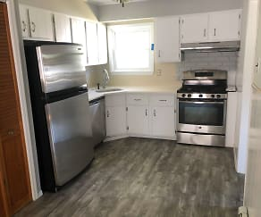 Kitchen, 138 Meadowmere Ave