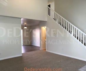 Living Room, 2812 Bay Village Ave