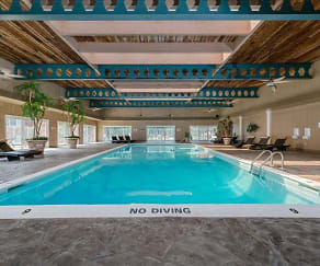 Pool, Plumtree Apartments