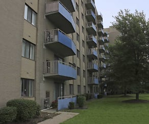 Exterior-Building, Carlyle Tower Apartment Homes