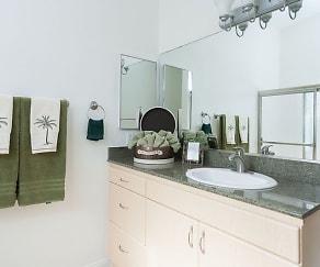 Bathroom, Park del Amo