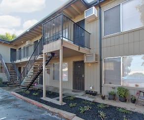Building, 638 Hale Road