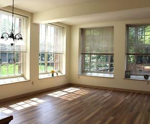 Hayward Landing Apartments, Sutton, MA