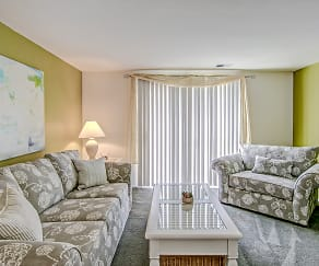 Living Room, The Townhomes at River's Gate