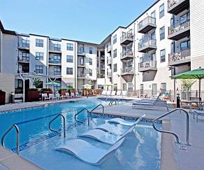 Pool, Vista Cameron Harbor