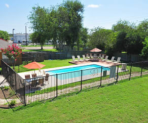 Pool, Beeville Station