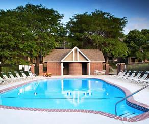 Pool, Summit by Broadmoor