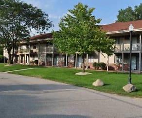 Building, Cedar Crest
