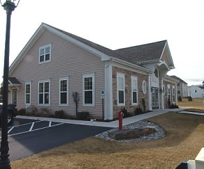 Building, Hanover Glen