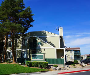 Building, Green Pines Apartments