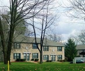 Building, Eastlake Woods Apartments