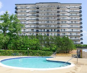 Carlyle Tower Apartment Homes, Barton, MI
