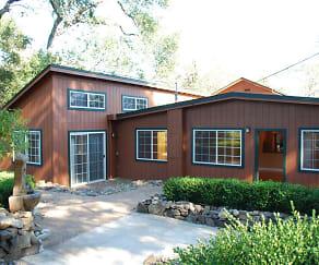 exterior of home.jpg, 946 Champion Lane # A