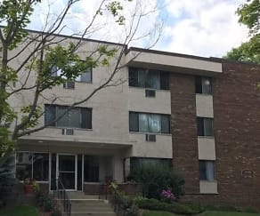 Building, Lake Park Apartments