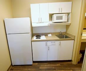 Kitchen, Furnished Studio - Tulsa - Central